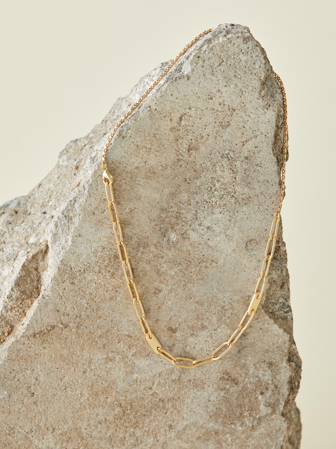 Gold Soko Delicate Ellipse Collar